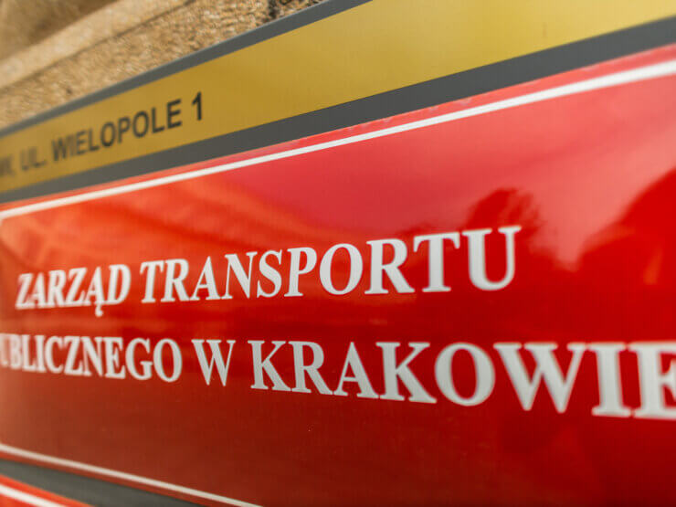 Tablica Zarządu Transportu Publicznego w Krakowie